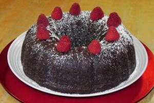 midnight chocolate cake w berries