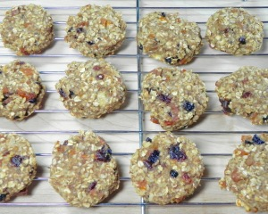 Fruit and Oat Cookies