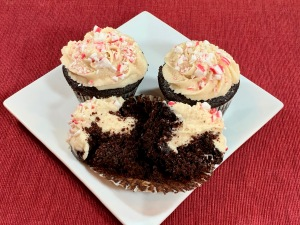 Peppermint Chocolate Holiday Cupcakes