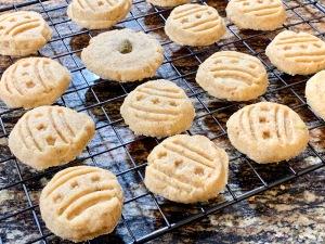 cardamom pistachio shortbread