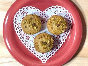 pistachio apricot muffins