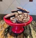 chocolate crinkle cookie defies gravity