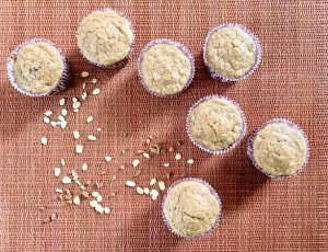 raisin oat muffins